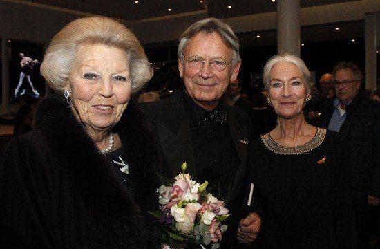 Prinses Beatrix heeft maandagavond het 20e balletgala van Dansersfonds'79 bijgewoond
