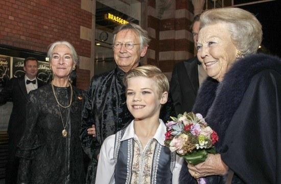 Prijzen Dansersfonds'79 tijdens Nederlands Balletgala
